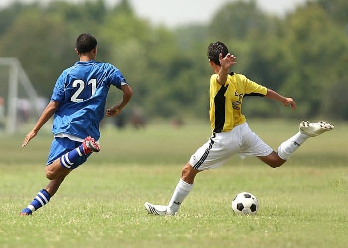 a guide to choosing the best knee brace for soccer
